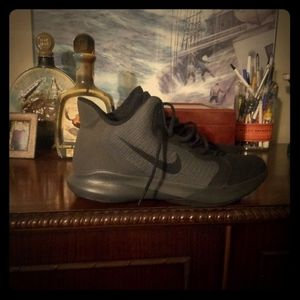 Nike tennis shoes men's size 11.5